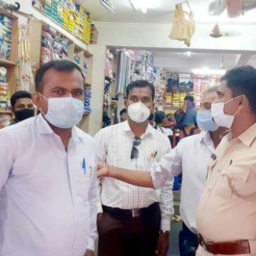 ಹರಪನಹಳ್ಳಿ: ಜನತೆಗೆ ದಂಡದ ಬಿಸಿ ಮುಟ್ಟಿಸಿದ ಅಧಿಕಾರಿಗಳು